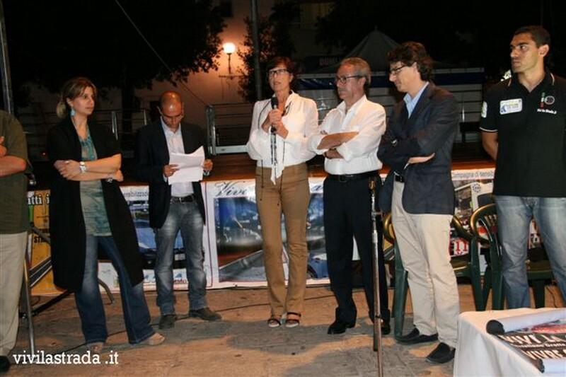 Vivi_la_Strada__it_-_INNO_ALLA_VITA_-_con_lAido_Castellana_Grotte_13_9_2011_23
