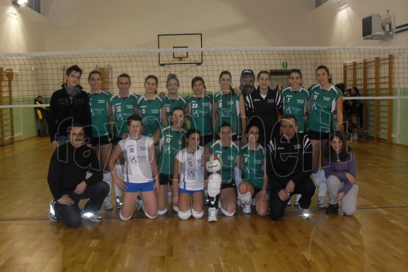 Young_Volley