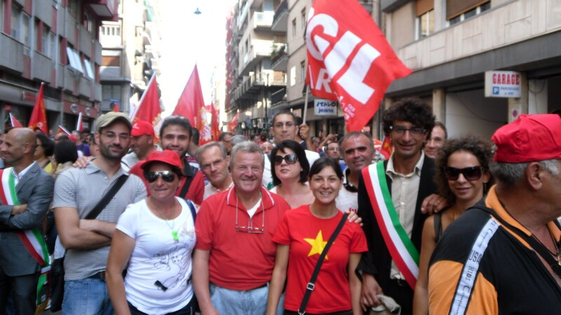 lavoratori_e_vicesindacoallo_scipero_generale