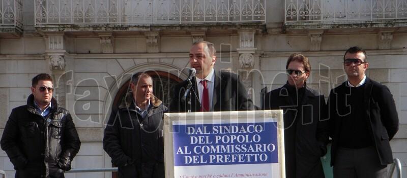 ULTIMO_COMIZIO_DEL_SINDACO_LONGO