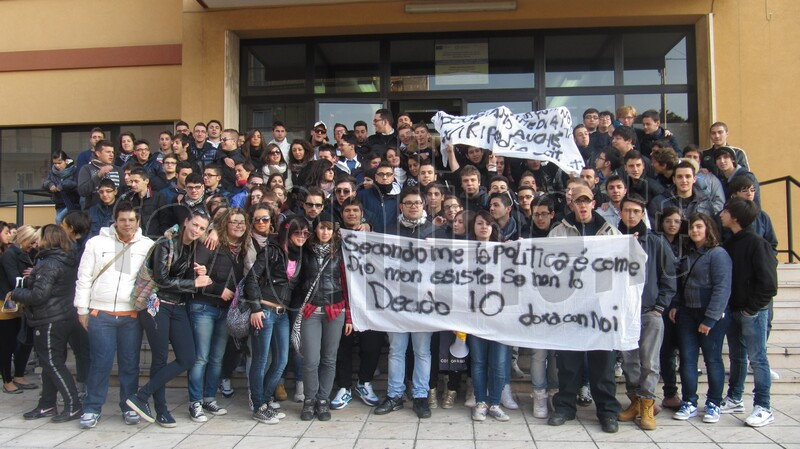 manifestazione_studenti_17_novembre_2011_3