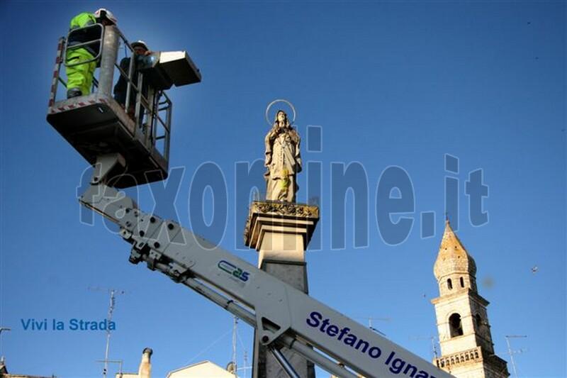 foto-vivilastrada-__Omaggio_della_Palma_Benedetta_alla_Madonna_6