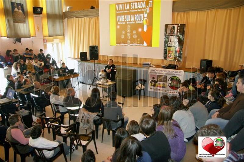 vivilastrada-24.4.2012-lezione_cultura_della_sicurezza_stradale_a_SANTERAMO_n_Colle_27