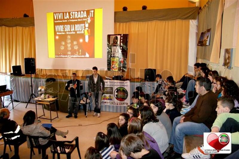 vivilastrada-24.4.2012-lezione_cultura_della_sicurezza_stradale_a_SANTERAMO_n_Colle_42