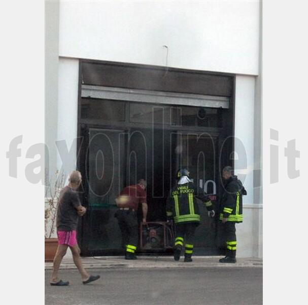 2Cinforma_27.8.2012_-_incendio_doloso_palestra-fit_fun_Fitness_for_fun-_6b