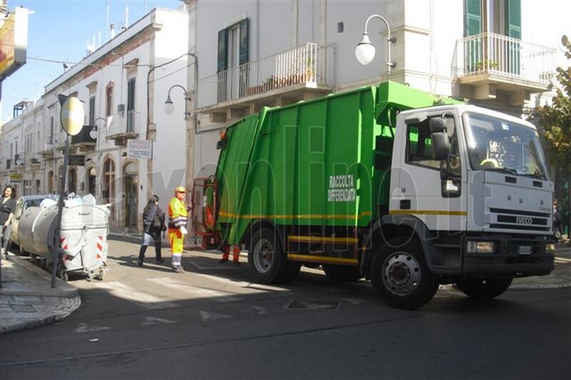 Foto_2cinforma__putignano_emergenza_rifiuti_1