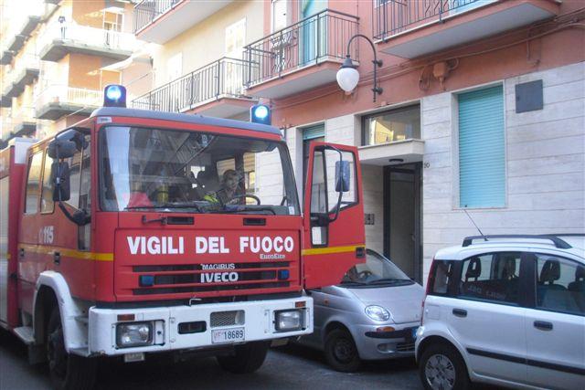 vigili_del_fuoco_in_via_el_alamein