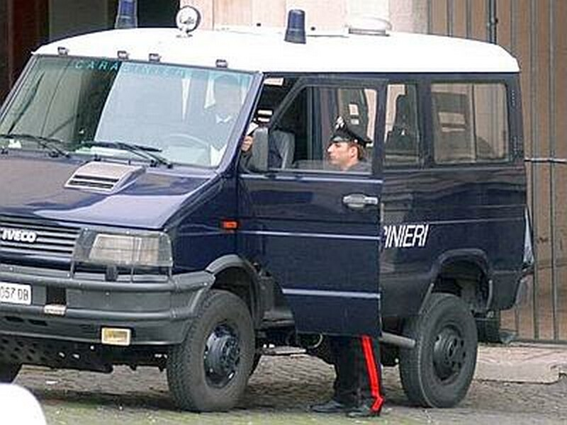 carabinieri_furgone