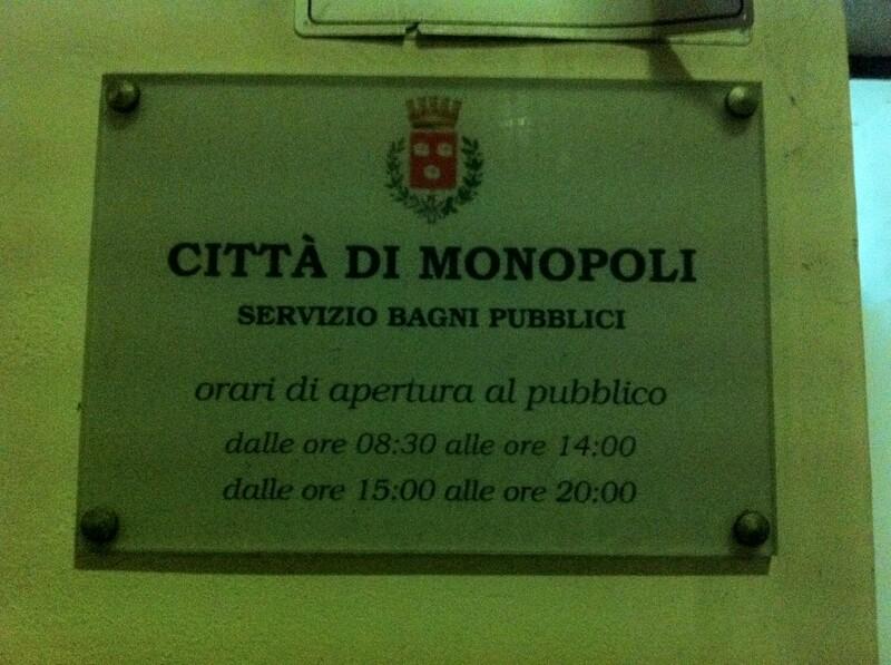 bagni_pubblici-monopoli2