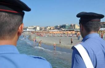 carabinieri in spiaggia-340x222