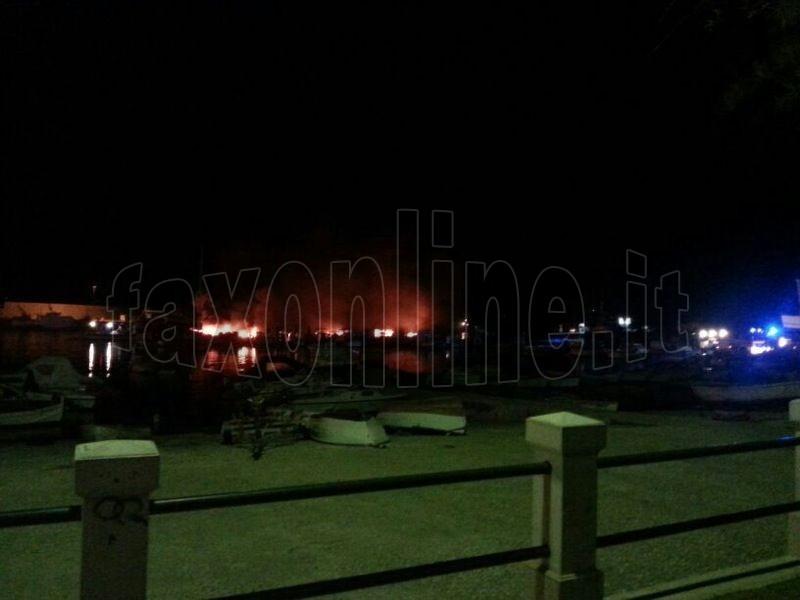 incendio barche 14 agosto 1