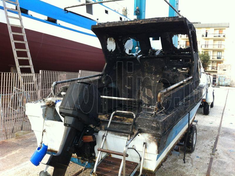 incendio barche copia