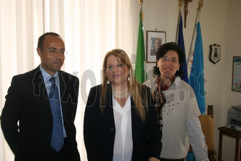 commissario prefettizio Rossana Riflesso con Natale Carone e Rachele Grandolfo