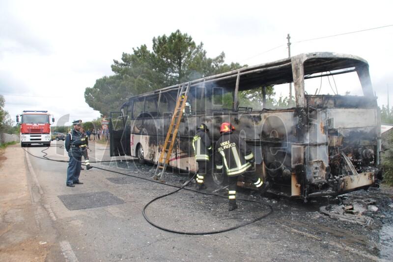 bus in fiamme-monopoli 1