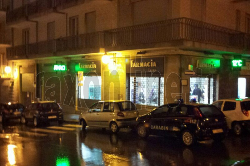rapina farmacia Laera