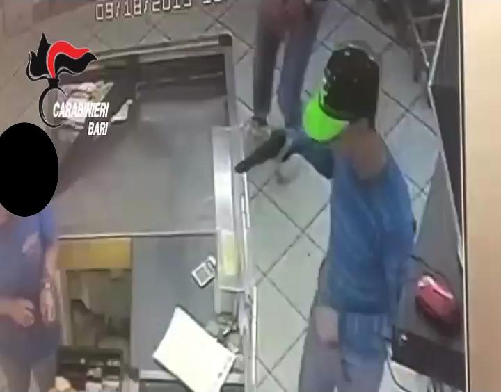 Conversano rapina in supermarket