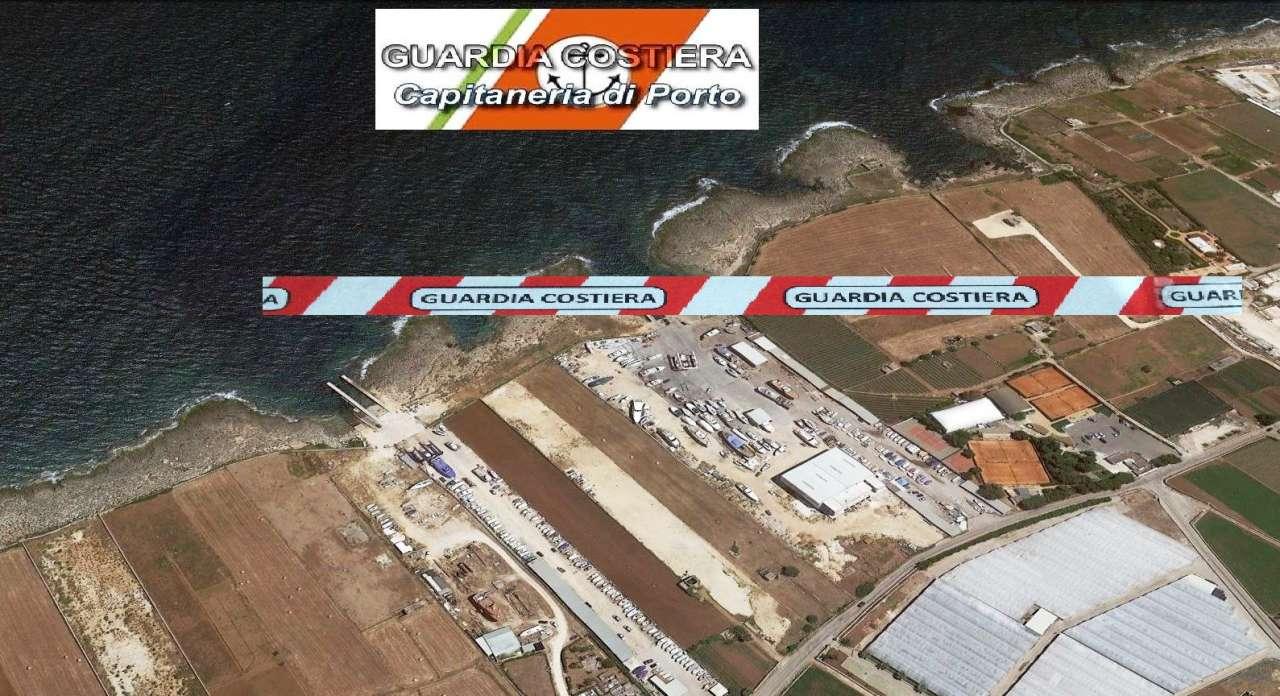 Vista aerea Cantieri Navali Monopoli con Logo