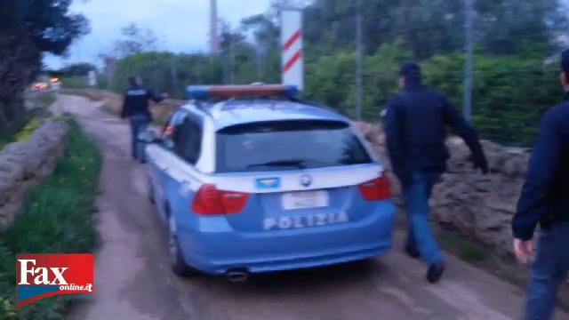 polizia coppietta