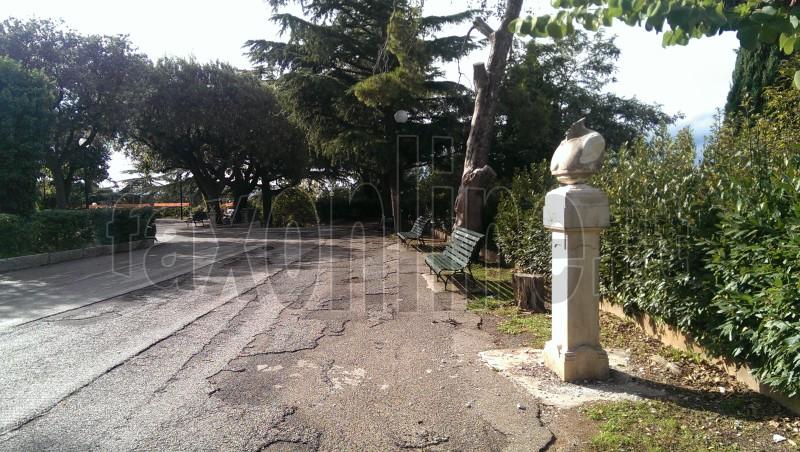 statua decapitata4