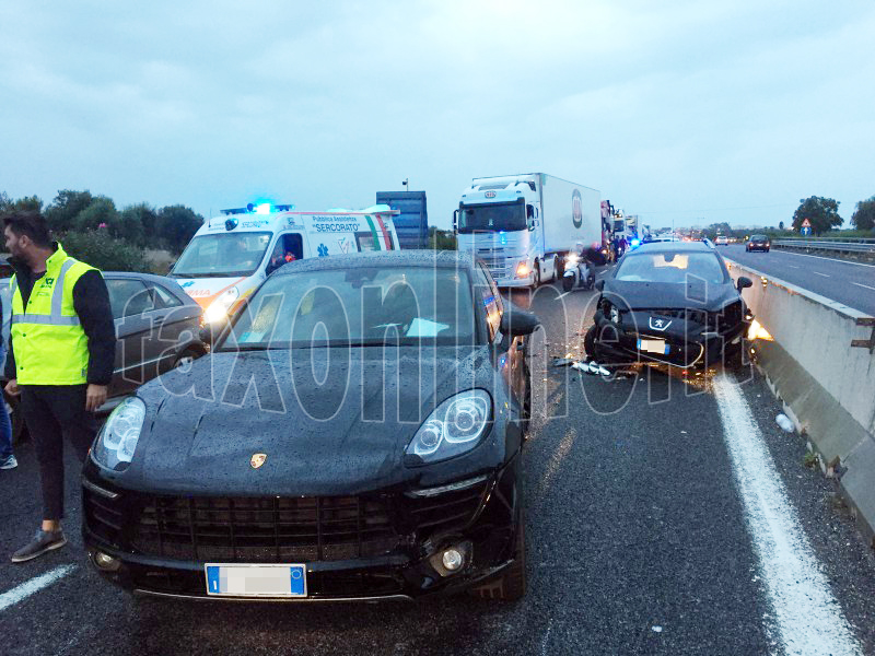 incidente porsche peugeot