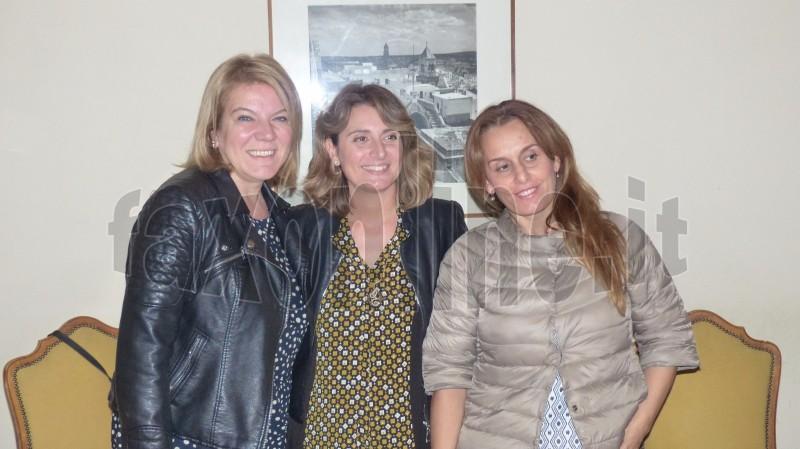 lassessore Elba con Giulia Delli Santi e Ileana Sapone