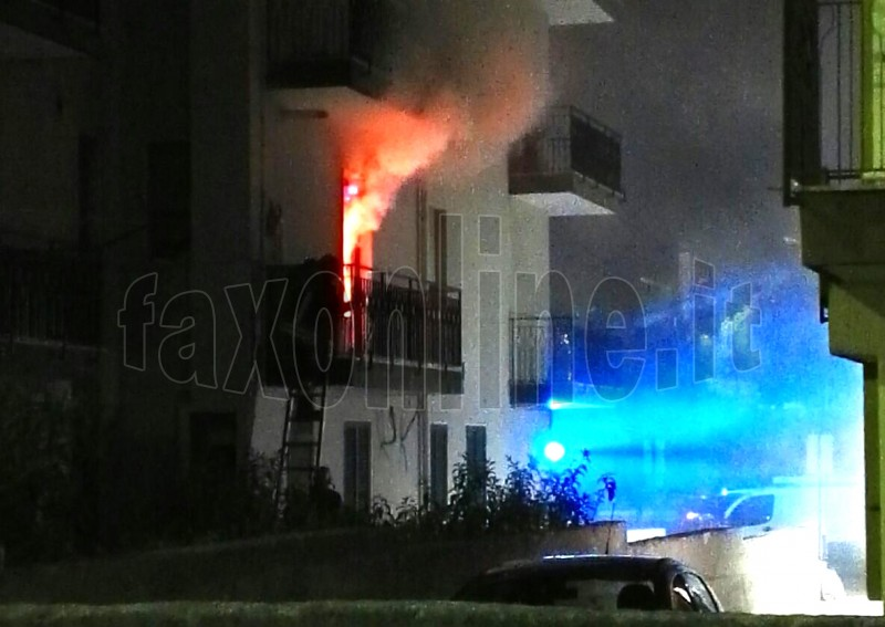 casa incendiata