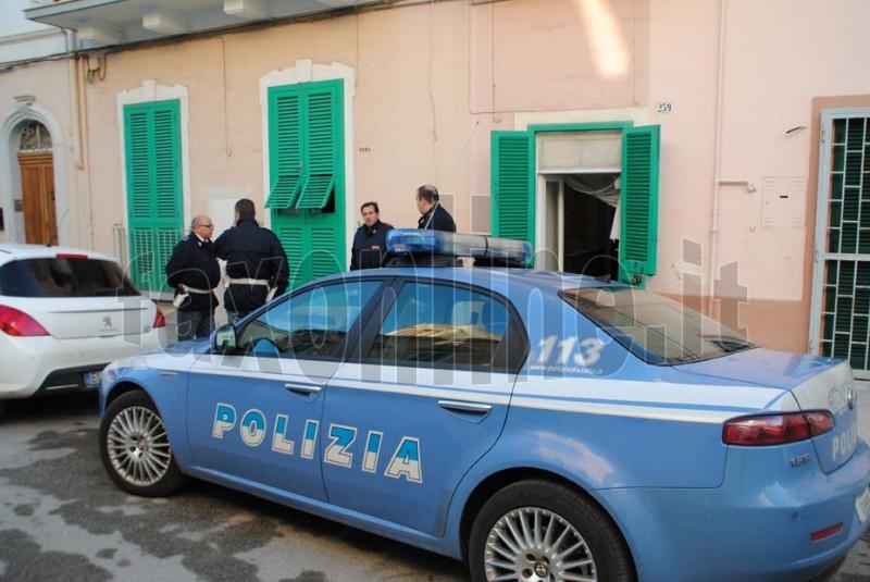 Polizia fuori via bixio