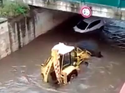 mola auto sottopasso